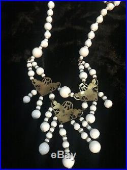 Vintage Art Deco Petite Czech Bohemian Milk Glass Necklace